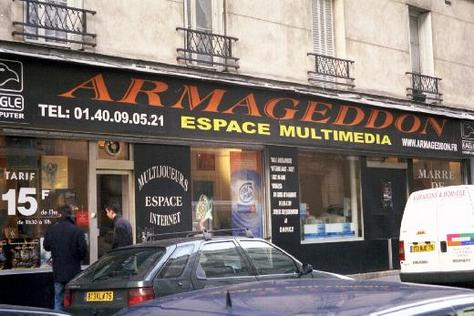 Internet Cafe in Paris