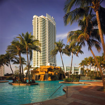 miami-beach-fountainbleu-hotel