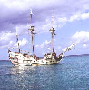 priate.ship.harbor