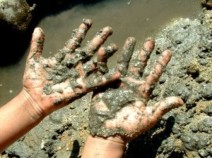 mud-hands